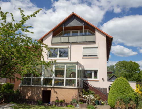 Helle DG-Wohnung in 3-Fam.Haus – Langenhagen